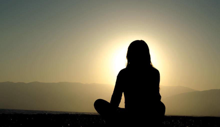 Kalte-Dusche-Herausforderung Meditation